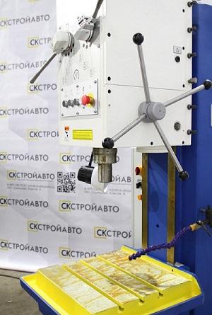 Вертикально-сверлильный станок с диаметром сверления 32 мм